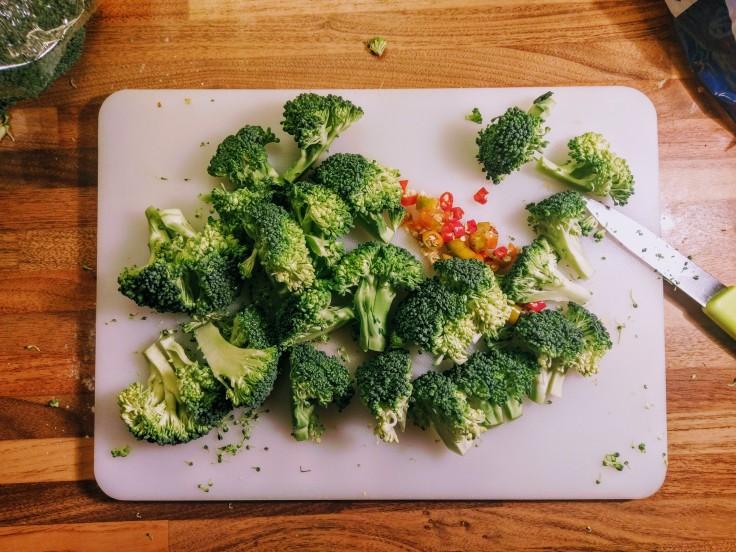 chopped-broccoli-chilli